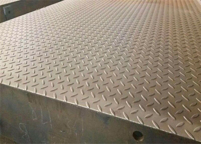 3*18m 100T Aluminium Checker Plate Sheet Surface Mounted With Steel Ramp